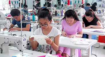 Khóa Học Cắt May Váy Đầm Thời Trang