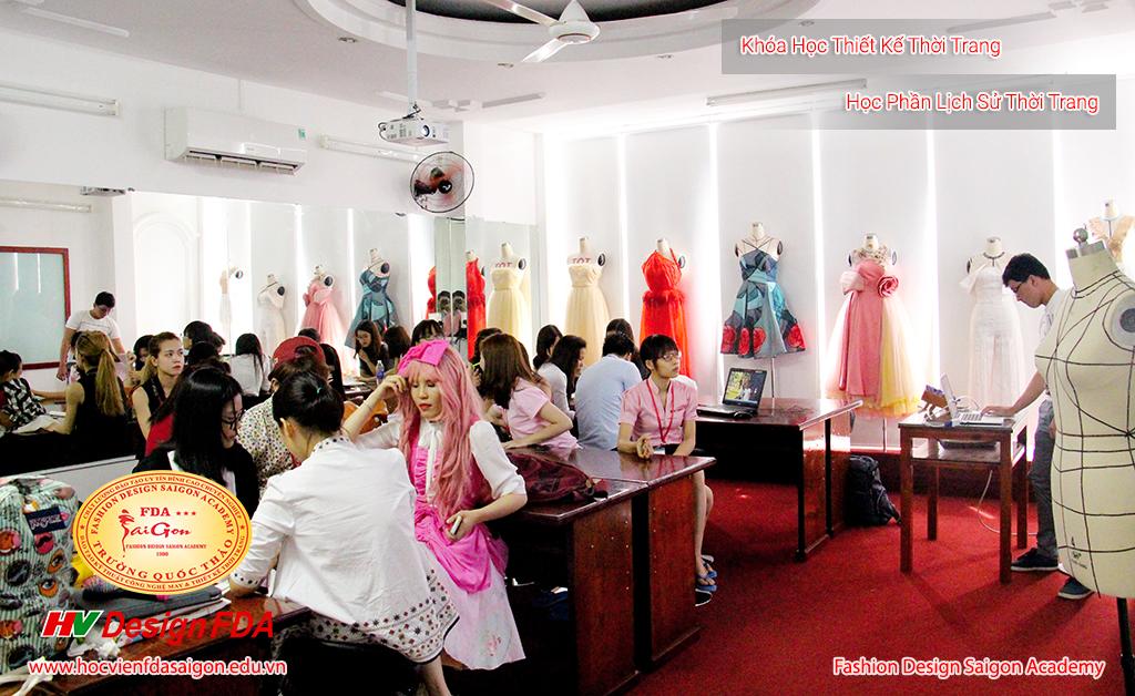 Lớp học lịch sử thời trang
