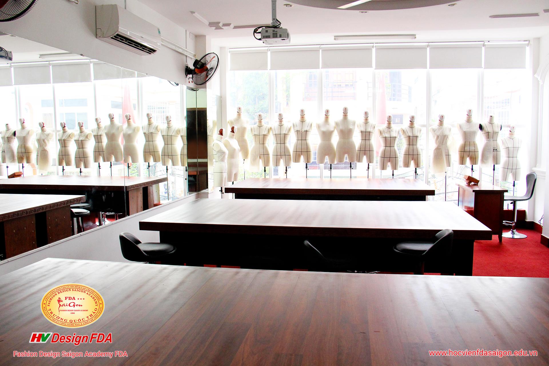 Phòng Draping - Học Dựng Rập 3D Trên Mannequin