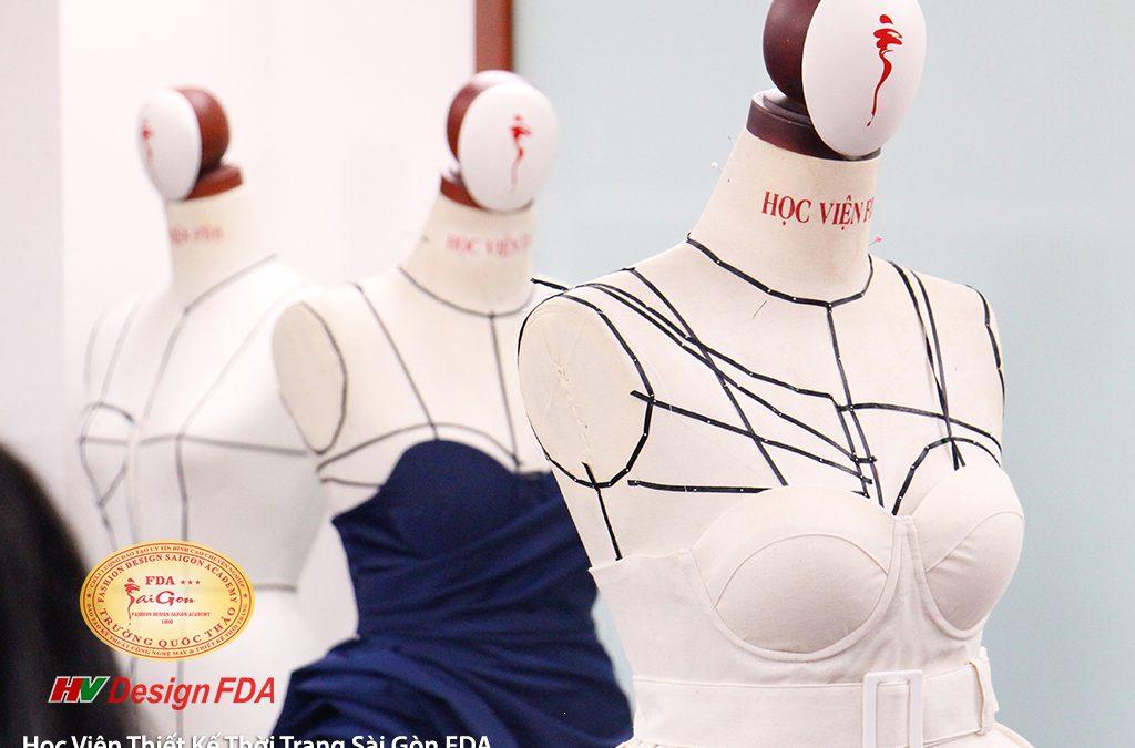 Draping dress Dựng đầm thời trang trên Mannequin