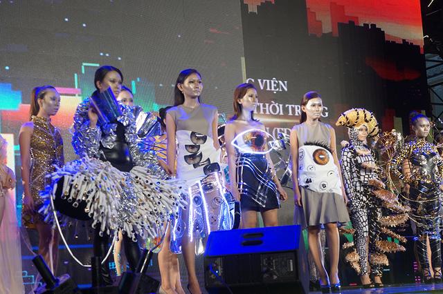 Thăng hoa và nhiều cảm xúc trong đêm bế mạc Lễ hội Thời trang và Công nghệ 2017 (MTV.vn)