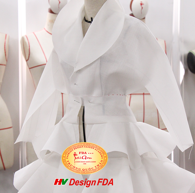 Fashion Draping Haute Couture Dior – Dựng mẫu trên mannequin 1/2