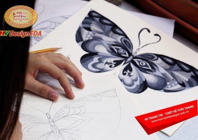 Vẽ trang trí cách điệu Bướm